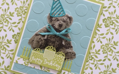 By Su Mohrfor the Global Design Project #GDP095; Featuring: Baby Bear, Celebration Time, Celebration Thinlits,: For more details click through to my blog! #stampinup #babybear #celebrationtime #birthdaycard