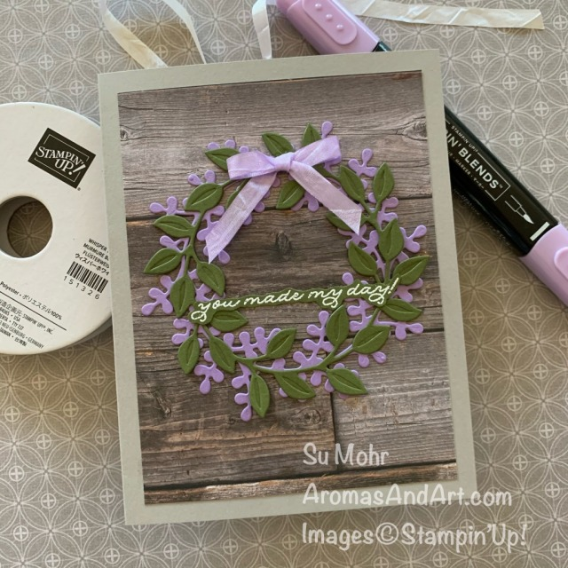 By Su Mohr; Click READ or VISIT to go to my blog for details! Featuring: Wreath Builder Dies, Ornate Thanks Stamp Set, Crinkled Seam Binding Ribbon, In Good Taste Designer Paper; #wreaths #wreathsoncards #stampincutembossmachine #diecuttingmachine #embossingmachine #friendshipcards #handmadecards#handcrafted #diy #cardmaking #cardinstruction #papercrafting